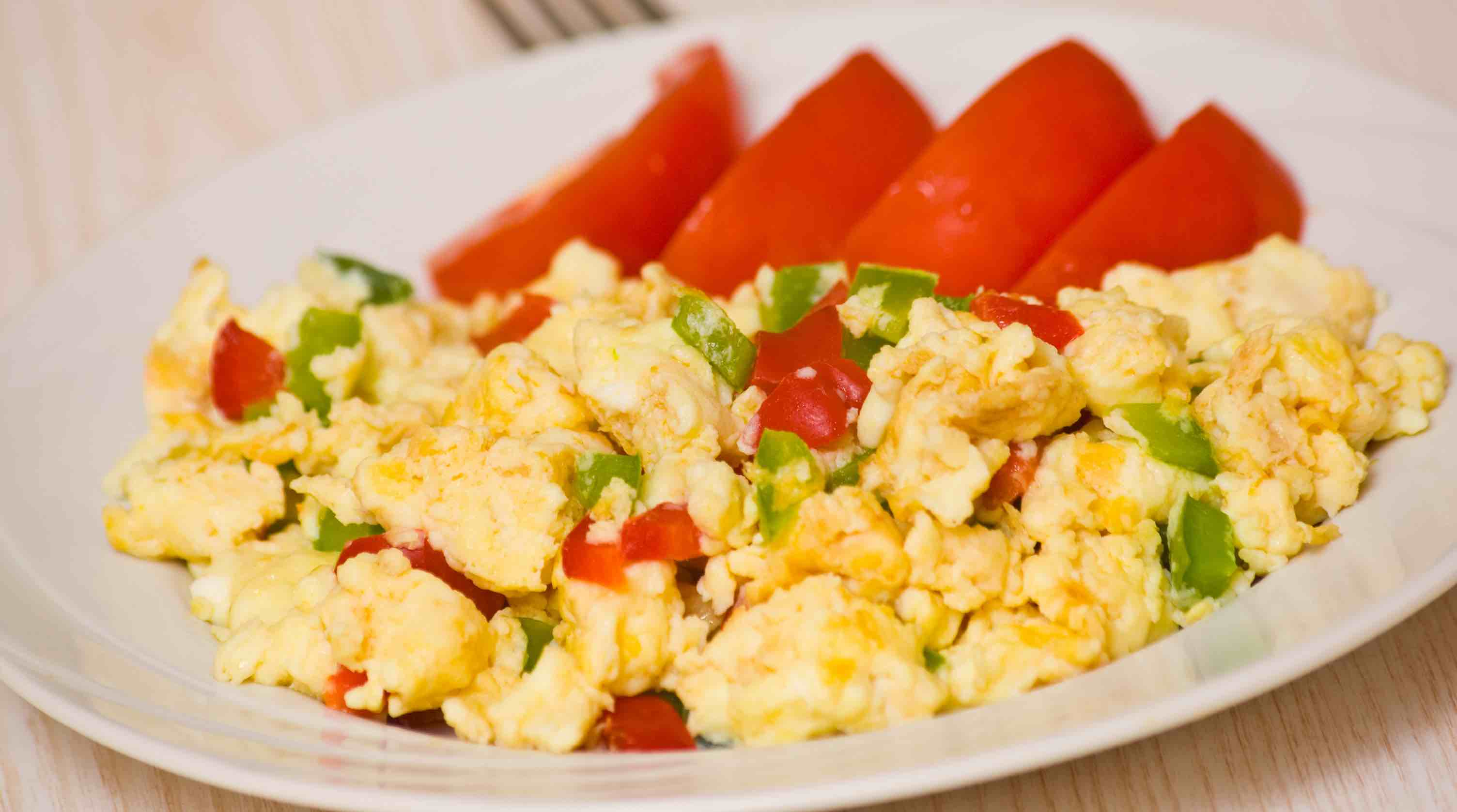 Breakfast With A Fat Burning Kick Scrambled Eggs Chilies Ting To Lose